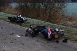 Scooterongeluk Beek en Donk: twee bestuurders zwaargewond na frontale botsing