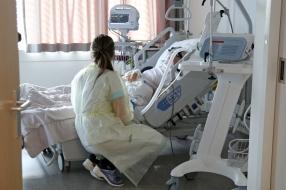 Coronanieuws: 297 coronapatiënten in ziekenhuizen, vanavond weer persconferentie