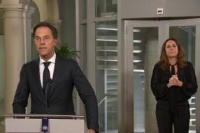 Coronanieuws: Coronamaatregelen zeker tot in december nodig, zegt minister