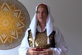 Efie groeide op met folklore en nu vecht ze ervoor dat die blijft bestaan