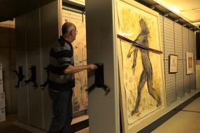 Kunst verstoft in het depot, gemeente Uden zoekt de makers