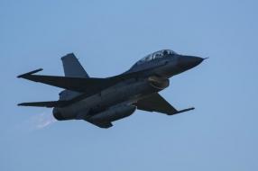 Laagvliegende F-16's uit Volkel jagen mensen de stuipen op het lijf in Flevoland