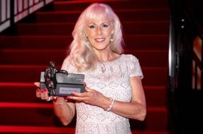 Ophef over onderscheiding voor Marga Bult