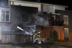 Uitslaande brand in Volkel, boven- en onderwoning lopen schade op