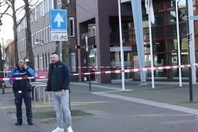 Verdacht koffertje bij gemeentehuis Uden was leeg, mensen mogen weer naar binnen