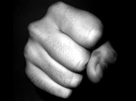 Man (81) die zijn vriendin mishandelde met hamer, hoort 1,5 jaar cel eisen