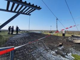 Skibaan grotendeels in de as, politie onderzoekt mogelijke brandstichting